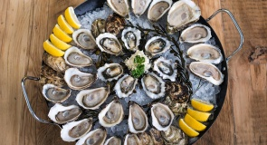 c_295_160_16777215_00_images_tours_food_menu-calgary-oysters.jpg