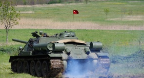 c_295_160_16777215_00_images_tours_russian_tank.jpg